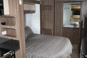 Eastern Caravan Hire Jayco silverline caravan bathroom